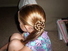 Girl Hairdos & Ideas: bun