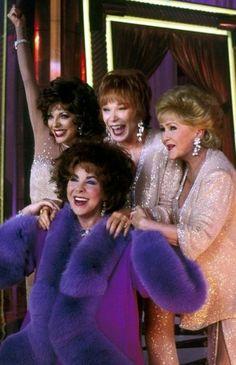 """""""Wieczny blask gwiazd"""" - Joan Collins, Shirley MacLaine, Debbie Reynolds, Elizabeth Taylor - 2001.  To okropny dzień nie tylko dla rodziny wspaniałej artystki, ale również dla kinomanów z całego świata. Elizabeth Taylor była..."""
