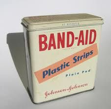 Remember when these came in a tin can? I remember using the tins for other things when the band-aids were all used up, too. My Childhood Memories, Sweet Memories, Childhood Toys, 1970s Childhood, School Memories, Nostalgia, Vintage Magazine, Vintage Packaging, Vintage Tins