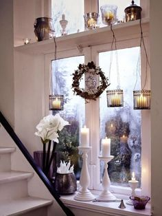 decorate-the-window-sill-for-christmas