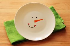 Decorative Plate DIY by ohbabylee via Flickr & How to paint your own decorated plates by CraftCorners.com | 350 ...