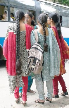 collage girl, very long hait dark_hair Long Silky Hair, Super Long Hair, Long Hair Styles 2018, Indian Braids, Indian Long Hair Braid, Long Hair Video, Magic Hair, Strong Hair, Braids For Long Hair