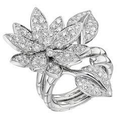VAN CLEEF & ARPELS Lotus Between-the-Finger Ring – from Betteridge