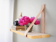 DIY : 9 Easy Projects to Upgrade Open Shelving. hot glue something cute over screw head, to hide it? Diy Simple, Easy Diy, Easy Crafts, Creative Crafts, Diy Projects To Try, Home Projects, Craft Projects, Suspended Shelves, Floating Shelves