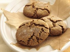 Soft Molasses Cookies: I used butter instead of margarine.  And I didn't have cloves, so I just added some nutmeg.  Result:  SUPER LEKKER (DELICIOUS)!