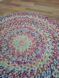 I make indestructible braided rugs, no sewing required! Just takes fabric, scissors and time. - I make indestructible braided rugs, no sewing required! Just takes fabric, scissors and time. Fabric Crafts, Sewing Crafts, Toothbrush Rug, Rag Rug Diy, Homemade Rugs, Rug Loom, Braided Rag Rugs, Rag Rug Tutorial, Braided Rug Tutorial