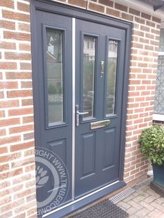 Striking Solidor Ludlow Composite Door with matching Side panel and outer frame, creating a stunning entrance for this customers home   #solidor #timbercompositedoors #compositedoors