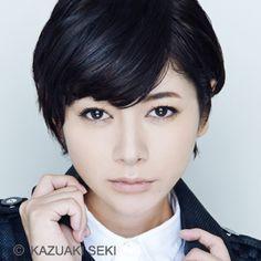 真木よう子 Beautiful Japanese Girl, Japanese Beauty, Beautiful Asian Women, Asian Beauty, Cute Beauty, Yoko, Woman Face, Asian Girl, Asian Ladies