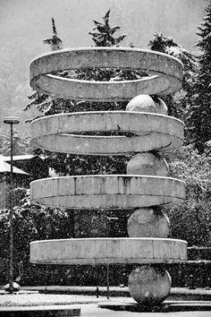 Fountain, Como, Italy. (designed in 1935, built in 1960.) architect Cesare Cattaneo artist Mario Radice photographer Giovanni Tesauro