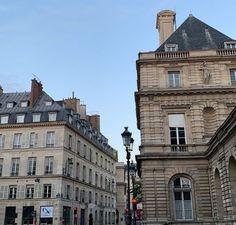 European Summer, City Aesthetic, Paris, Mansions, House Styles, Summer Vibes, Pretty, Ice Cream, Travel
