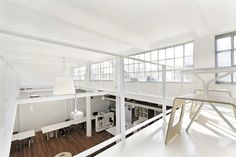 XL+ Office Space / Great City & Architecture