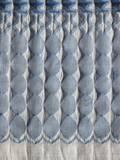 weavinghand: Weaving Hand: Inspiration of the Day! Textile Patterns, Textile Design, Textile Art, Weaving Patterns, Textiles Techniques, Weaving Techniques, Baby Patterns, Print Patterns, Baby Pants Pattern