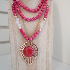 Collier Ylang en doré or rose sur perles de jade rouge, insertions quartz rose & perles dorées rose.