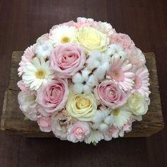 まさか朝から不意打ちあき竹城ぉ #flower#flowers#florist#flowerarrangement#rose#roses#spraycarnation#garbera#lisianthus#eustoma#cottonflower#cottontree#christmas#xmas #花#花屋#フラワーアレンジメント#バラ#スプレーカーネーション#ガーベラ#トルコキキョウ#コットンフラワー#コットンツリー#クリスマス  #モーニングあき竹城ぉ。