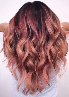 The Rose Gold Hair Color Had Been Up-And-Comming For The Spring 2019 Hair Season, However This Season Features A Rose Gold Balayage. Balayage Is. Rose Hair Color, Ombre Hair Color, Hair Color Balayage, Rose Gold Balayage Brunettes, Rose Gold Bayalage, Summer Hair Colour, Balayage Bob Brunette, Subtle Hair Color, Short Balayage