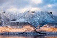 Hjortfjellet Spitsbergen arctic-mountain-sunset