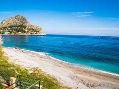 VILLA BUONASERA PÅ Sjøen Small Showers, Family Getaways, European House, Stunning View, Palermo, Sicily, Italy Travel, Absolutely Gorgeous, Terrace