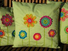 Jastuci I Jastuci Crochet Cushion Cover, Crochet Cushions, Sewing Pillows, Crochet Pillow, Crochet Edging Patterns, Crochet Lace Edging, Crochet Flowers, Embroidery Patterns, Crochet Home