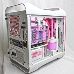 Perfectly pink. A mastercraft BitFenix Prodigy build powered by GTX 670 and…