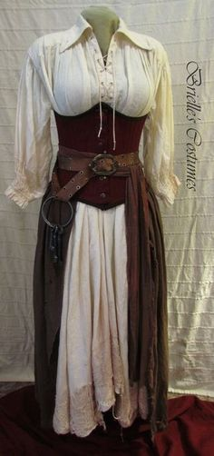 This looks like a good Pirate costume. Costume Viking, Medieval Costume, Medieval Dress, Easy Renaissance Costume, Medieval Outfits, Renaissance Dresses, Pirate Garb, Pirate Dress, Pirate Clothes