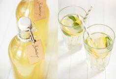 Bodzaszörp tartósítószer nélkül - hozzávalók / 12 adag 30 db bodzavirág 2 db citrom 2 l langyos víz 500 ml víz 500 g cukor 10 g citromsav