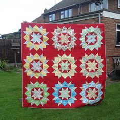 Red Background Swoon Quilt - by Jenniesthreads on Threadbias