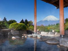 When you travel to Tokyo, don't you think of going to Hakone for an onsen experience? It's just a few hours to get to there. We have complete list of Hakone onsen accommodation guide here.