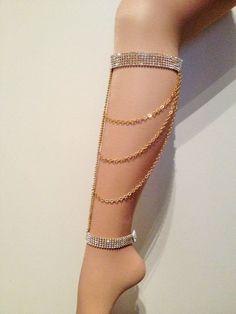 Glamchain leg Jewelry /ボディジュエリー/ Leglet / Leg chain /クラブウェア - New Ideas Body Chain Jewelry, Body Jewellery, Gold Sandals, Bare Foot Sandals, Jewelry Accessories, Fashion Accessories, Fashion Jewelry, Women's Fashion, Jóias Body Chains