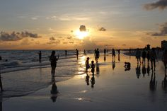 Siesta Key sunset is the time to stroll together hand in hand. The beach cafe serves great food and refreshments also Siesta Key Beach, Gulf Of Mexico, Island Life, Beach Fun, Beautiful Day, Beaches, Places To Go, Coast, Florida