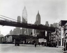 Pont de Brooklyn, Broadway, Statue de la Liberté mais aussi Ellis Island et ses émouvants portraits d'immigrants, voici les plus belles photos de New York rendues publiques par la bibliothèque municipale de la Grosse Pomme.