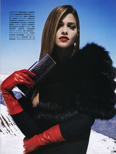 Red Gloves, Leather Gloves, Gloves Fashion, Modern Fashion, Supermodels, Fashion Beauty, Handsome, Long Hair Styles, Portrait