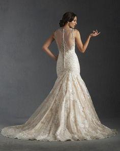 Bonny Bridal '8511' size 10 sample wedding dress back view on model