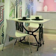 60 Ideas To Recycle Vintage Sewing Machines Recycled Furniture  Ο ΧΡΗΣΤΗΣ XRISI PAPADAKI AΠΟΘΗΚΕΥΣΕ ΣΤΟ ΠΙΝΑΚΑ ΚΑΤΑΣΚΕΥΕΣ