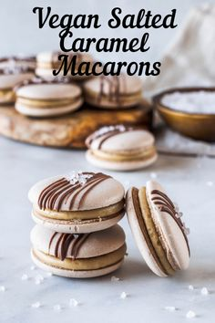 Vegan Salted Caramel Macarons These are my delicious Salted Caramel Vegan Macarons. Gluten-free, egg-free made with aquafaba. Plus check out tips on how to make vegan macarons. Vegan Treats, Vegan Foods, Macarons Vegan, Salted Caramel Frosting, Salted Caramels, Quinoa, Macaron Cookies, Macaroons, Macaroon Recipes