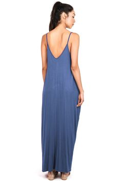 d2497d1bc2 Basic maxi dress with a harem cut and pockets on the sides. Add a hat