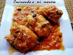Bacalao con pasas y piñones Pescado Recipe, Spanish Food, Empanadas, Fish And Seafood, Chicken Wings, Cod, Food And Drink, Meat, Recipes