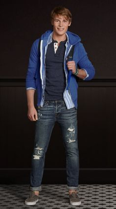 Casual Jeans with Hoodie + Henley - Ideas Teenage Boy Fashion, Teenage Guys, Kids Fashion, Fashion Clothes, Lässigen Jeans, Casual Jeans, Casual Clothes, Ripped Jeans, Boys Smart Clothes