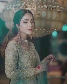 Pakistani Bridal Makeup, Pakistani Wedding Outfits, Indian Bridal Outfits, Indian Wedding Songs, Indian Wedding Bridesmaids, Pre Wedding Videos, Wedding Dance Video, Bridal Songs, Indian Bridal Photos