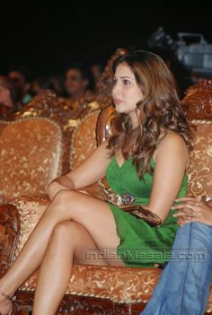 Kim Sharma Spotted at an event | Unseen Bollywood Pics