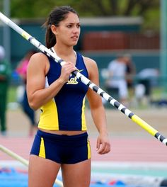 Allison Stokke - the hottest female athlete pics) Pole Vault, Long Jump, Wwe Womens, Sports Stars, Female Athletes, American Athletes, Fit Chicks, Track And Field, Athletic Women