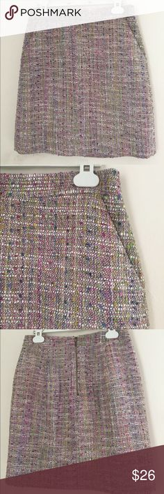 Like new! J crew tweed, colorful, skirt. Double zero, Fits like an xs, has a lining on the inside. Cororful and textured. perfect for a day at the office or dress it up for an evening party! J. Crew Skirts