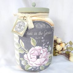 Glass Bottle Crafts, Bottle Art, Mason Jar Crafts, Mason Jar Diy, Jar Design, Chalk Paint Projects, Autumn Crafts, Recycled Bottles, Bottles And Jars
