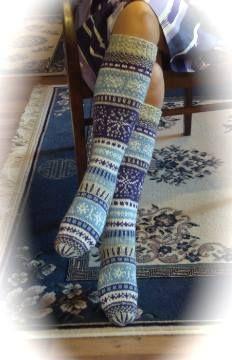 Tekijänä Sinikka Nissi Knit Socks, Knitting Socks, Hand Knitting, Woolen Clothes, Fair Isle Knitting, Knee High Socks, Bunt, Knit Crochet, Knitting Patterns