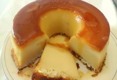 Pudim Mata-Fome The name is a familiar joke. Portuguese Desserts, Portuguese Recipes, Italian Recipes, Sweet Recipes, Cake Recipes, Dessert Recipes, Good Food, Yummy Food, Dessert Sauces