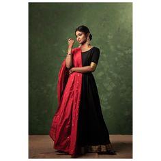 Kurti Designs Party Wear, Kurta Designs, Dress Designs, Ethnic Outfits, Ethnic Dress, Designer Anarkali Dresses, Designer Dresses, Stylish Dresses, Fashion Dresses