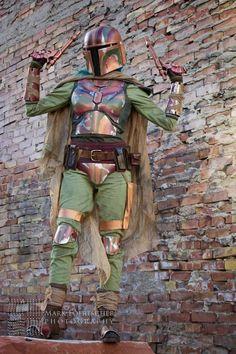 Va'Shakorina of Mandalorian Mercs Costume Club Boba Fett Mandalorian, Mandalorian Costume, Star Wars Boba Fett, Warhammer Figuren, Stargate, Boba Fett Costume, Star Wars Costumes, Diy Costumes, Costume Ideas