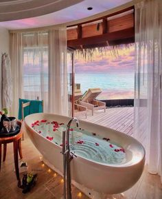 Featuring amazing places of the world! PC: 🤙🏼🌺🌴 Such beautiful bathtub views in the Maldives 🇲🇻 📸: Vacation Places, Honeymoon Destinations, Dream Vacations, Beautiful Places To Travel, Beautiful Hotels, Wonderful Places, Beautiful Sunset, Amazing Places, Photography Beach