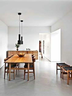 minimalisme des suspensions avec des meubles classiques et vintage