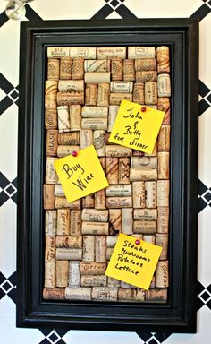 DIY Cork Memo Board - New House New Home Don't throw out those wine corks. Save them to make this funky cork memo board. Really want great helpful hints concerning arts and crafts? The Trick for DIY Wine Cork Craft Ideas and Budget-Friendly Dcor With the Wine Craft, Wine Cork Crafts, Wine Bottle Crafts, Diy Projects With Wine Corks, Diy With Corks, Crafts With Corks, Cork Board Projects, Diy Cork Board, Wine Cork Boards