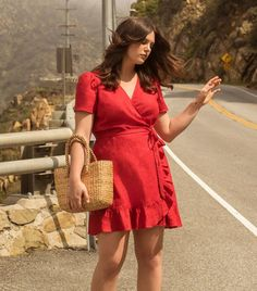 "Fashion People Are Proving the Term ""Plus-Size"" Is Far From Perfect Fashion Sewing, 80s Fashion, Boho Fashion, Fashion Outfits, Fashion Black, Fall Fashion, Style Fashion, Curvy Outfits, Girl Outfits"